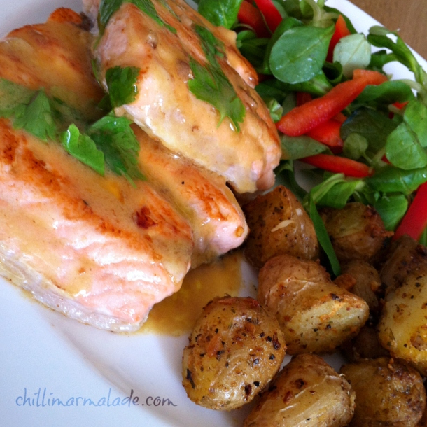 Salmon fillets with white wine mustard